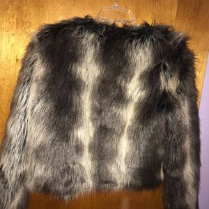 Forever 21 Jackets & Coats - Faux fur long sleeve cropped Jacket
